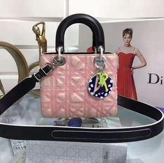 Handtaschen Damen Schwarz - Dior Lady Dior Art Medium Bag in Pink Lambskin  2017 ca9e8f552a5d4