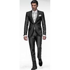 Trajes de novio italianos ONGala  Traje Modelo n:443  Disponible en tienda y venta online:  ComercialMoyano.com