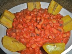 Traditional Red Red Stew from Ghana, Africa. Ghanaian Food, Nigerian Food, Bean Recipes, Gourmet Recipes, West African Food, Exotic Food, Koh Tao, International Recipes, Stew