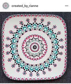 Mandala Painting, Dot Painting, Mandala Art, Pottery Painting, Ceramic Painting, Porcelain Paint Pens, Pottery Patterns, Stippling Art, Sharpie Crafts