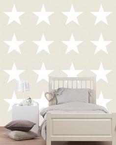 Tapetti Stars 136465 0,53x10,05 m beige non-woven seinällä