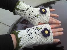 Fingerless gloves:  I used the pattern from www.crochetme.com... and then embellished them with the grass, flowers & bees.