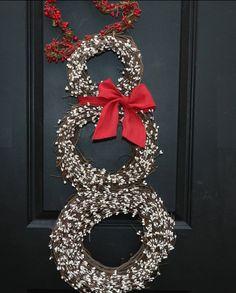 DIY Christmas Wreath Ideas - Snowman Grapevine Wreath - Click Pick for 24 DIY Christmas Decor Ideas