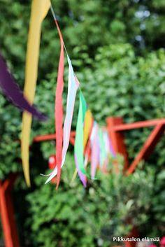Pikkutalon elämää: Puutarhajuhlien koristelut