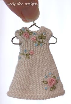 """""""Blushing Pink Roses, a hand knit dress for Wilde Imagination's tiny 4"""" Amelia Thimble dolls.  cindyricedesigns.com"""