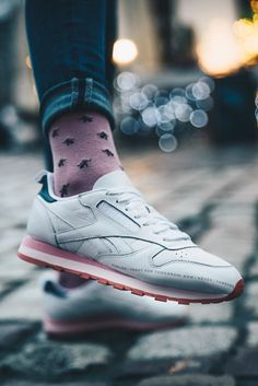 1151aa06718 Women s Shoes sneakers Reebok Classic Leather Publish CN0380