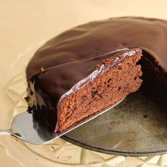 Classic Sacher with almonds, chocolate and apricot jam. [recipe in English, scroll down]