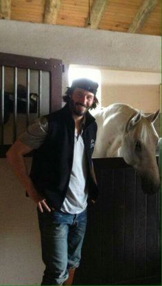 Keanu Reeves ❤️ because he can ride. a horse. Keanu Reeves John Wick, Keanu Charles Reeves, Pretty Men, Gorgeous Men, Keanu Reeves Quotes, Keanu Reaves, Shy Guy, Hollywood, Dream Guy