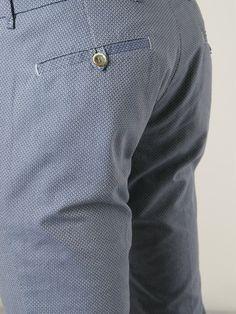 #lardini #pants #trousers #prints #menswear #chinos #style www.jofre.eu Fashion Wear, Boy Fashion, Mens Fashion, Tm Lewin, Printed Trousers, Skirt Pants, Chef Jackets, Menswear, Mens Tops