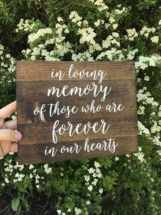 10 ways to remember lost loved ones at your wedding | Honoring deceased at wedding  | Honoring loved ones | The Internet's Maid of Honor