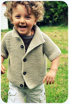 gilet tricot - knitting jacket - no pattern - just idea. Knitting For Kids, Crochet For Kids, Free Knitting, Baby Knitting, Knit Crochet, Baby Patterns, Knitting Patterns, Knitted Baby Clothes, Baby Sweaters