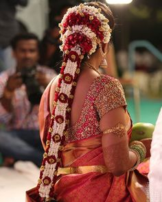 Bride:- Sirika Maddipati . . . Mail Your Wedding Moments To IndianBrides99@Gmail.com To Get Featured ❤ . . #Indianbrides #Indianbridesinstagaram #Indianbridesinsta #Indianbridesfollow #Indianbrideslovers #Indianbrideslike #Indianbridesfollowme #Indianbridesfollow4follow #indianbridesmaids #indianbridesjewellery South Indian Wedding Hairstyles, Bridal Hairstyle Indian Wedding, Bridal Bun, Bridal Hairdo, Indian Wedding Outfits, Indian Hairstyles, Open Hairstyles, Dress Hairstyles, Bride Hairstyles