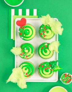 Grinch cupcakes with green cotton candy