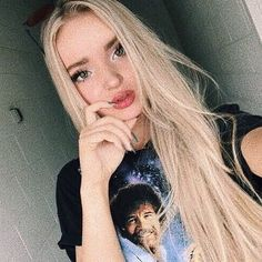 It's hard to sleep at night when there's so many thoughts going through my head ----------------------------------------- Cameron Boyce, Kily Jenner, Dove And Thomas, Dove Cameron Style, Hairspray Live, Sofia Carson, Mode Outfits, American Actress, Actors & Actresses