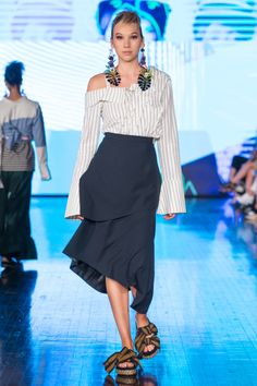 Rinda Salmun RTW Spring 2018 Bell Sleeves, Bell Sleeve Top, Show Reviews, Fashion News, Spring, Summer, Tops, Women, Summer Recipes