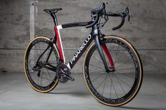 Fully built Dogma F8 with Campagnolo