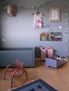 a refaire chambre bb murs bleu gris clair accesoires dans les tons - Chambre Enfant Mur Bleu Gris