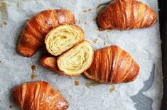 Kvasové croissanty | Maškrtnica Sweet Dough, Donuts, Garlic, Good Food, Cooking Recipes, Snacks, Baking, Vegetables, Buns
