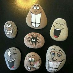 42 Sweet Rock Painting Design Ideas For Your Home Decor - PIMPHOMEE In case you're searching for a modest craftsmanship or specialty action for yourself or to impart to kids, think about the specialty of painting on rocks. Rock painting might be Read Rock Painting Patterns, Rock Painting Ideas Easy, Rock Painting Designs, Paint Designs, Pebble Painting, Pebble Art, Stone Painting, House Painting, Painting Art