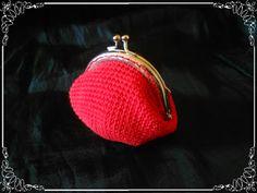 Monedero estilo vintage en ganchillo de color rojo...