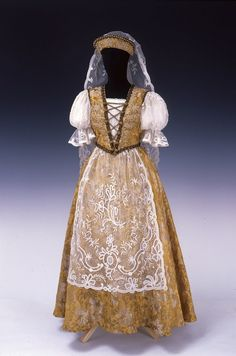 Court Dress, ca. 1940, Hungary, Museum of Applied Arts, Budapest