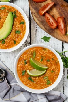 This hearty and comforting Mexican tomato noodle soup, called Sopa de Fideo, is a true feast of flavors! | cookingtheglobe.com