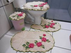 Crocheted Bathroom Set Ideas for Crochet Lovers: Crochet art is evergreen and it can never become out of fashion. You can make tremendous intricate household Crochet Art, Crochet Patterns, Crochet Ideas, Crochet Rugs, Bathroom Sets, Crochet Projects, Bath Mat, Free Pattern, Projects To Try