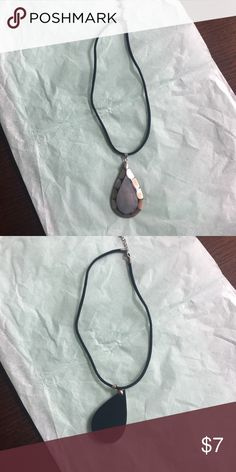 Necklace Necklace with stone detail Hey! approx 17 inches around and stretchy band. Stone is light but has good weight to it. Jewelry Necklaces