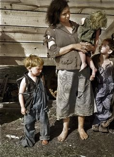 Shorpy Historical Photo Archive :: Rural Mother (Colorized): 1936