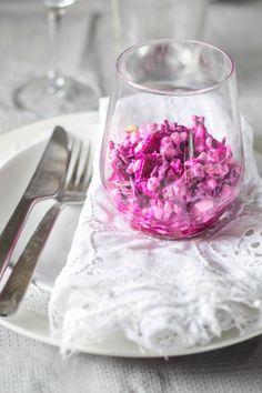 Red cabbage / beetroot salad with cottage cheese // Rødkål/rødbedesalat med hytteost