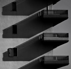 The shadows of this image are very interesting and grabbed my attention right away. Creates geometry naturally.