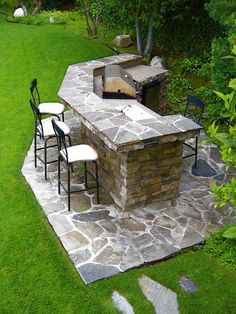 BBQ built in and backyard bar. Must have this on my backyard patio. Outdoor Rooms, Outdoor Gardens, Outdoor Living, Outdoor Kitchens, Outdoor Cooking, Outdoor Garden Bar, Outdoor Showers, Outdoor Patios, Outdoor Pergola