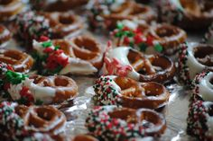 Chocolate Dipped Pretzel Recipe {DIY Holiday Gift, Christmas Party Food}