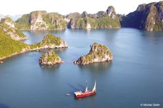 #Vietnam - Halong Bay ©Michel Gotin