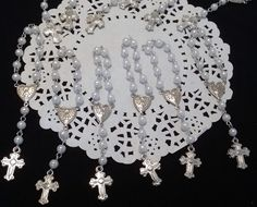Great Rosaries for First Communions, Baptism, Confirmations and other religious events Favors This Mini Rosaries favors are a excellent gift for your Child Guess, Godparents and other special person i