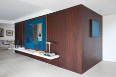 Apartment On Oscar Freire Str. in São Paulo by Felipe Hess - ph Fran Parente Beautiful Interior Design, Modern Interior Design, Interior Architecture, Modern Interiors, Apartment Interior Design, Interior Decorating, Youth Decor, Wood Slat Wall, Wooden Panelling