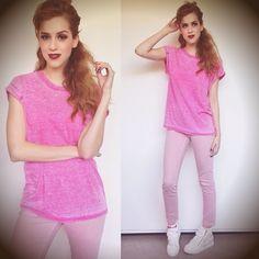 """20.5 mil Me gusta, 512 comentarios - Sophia Abrahão (@sophiaabrahao) en Instagram: """"look pink total ;) #topshop total 😛🙋"""""""