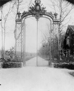 Veux de Çernay, Grille du Château d'Arnouville, ca 1910, Eugene Atget.