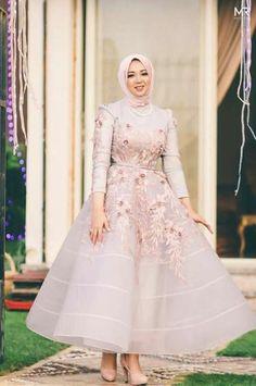 Gaun Kembang Hijab Evening Dress, Hijab Dress Party, Hijab Style Dress, Evening Dresses, Muslimah Wedding Dress, Hijab Wedding Dresses, Dressy Dresses, Prom Dresses, Nice Dresses