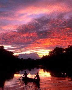 Hotels-live.com/pages/sejours-pas-chers - Photo by @CarltonWard // Sunset over the Amazon River upstream of Iquitos Peru. #Amazon #Peru Hotels-live.com via https://www.instagram.com/p/BDAH9xLoMfY/