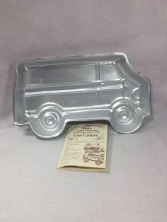 1978 Wilton Big Van cake pan School bus ambulance w/complete instructions
