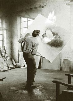 Otto Piene working in his studio (Maren Heyne)
