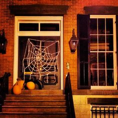 Monterey Square home ready for Halloween in Savannah!
