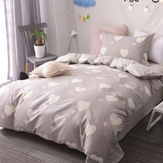 Gray Hearts Bedding Set