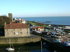 """""""Dysart"""" by user:kilnburn. Scotland Uk, 16th Century, East Coast, The Locals, Outlander, Countryside, Beautiful Places, Scenery, Castle"""