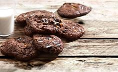 Μπισκότα (Cookies) διπλής σοκολάτας από την Αργυρώ Μπαρμπαρίγου! My Recipes, Sweet Recipes, Food Categories, Recipe Box, Nutella, Oreo, Cookies, Sweets, Chocolate