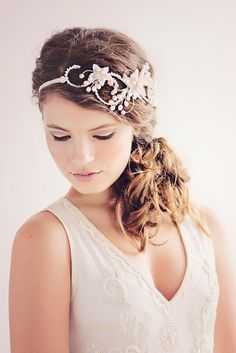 The Evangelina Bridal Headpiece by Gadgaard Design, Photocredit: www.tinaliv.com
