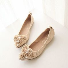 Pure Color Shallow Mouth Beaded Pointed Toe Egg Roll Flat Shoes