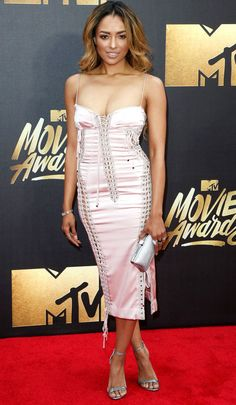Kat Graham from MTV Movie Awards 2016 Red Carpet Arrivals Pretty in pink. The Vampire Diaries star opts for a soft color for MTV's big movie night. Mtv Movie Awards, Famous Girls, Famous Women, Vampire Diaries, Strapless Dress, Bodycon Dress, Star Wars, Gowns Of Elegance, Prom Night