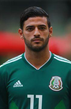 El guapísimo Carlos Vela de la selección mexicana